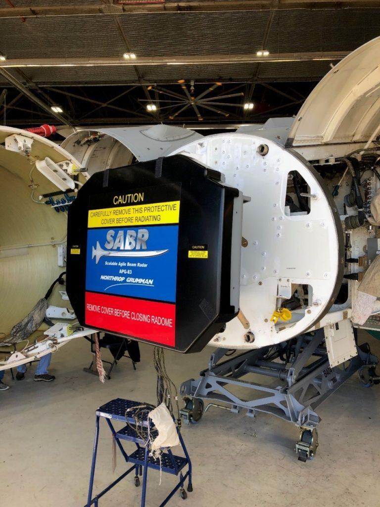 El radar APG-83 (SABR) de Northrop Grumman.