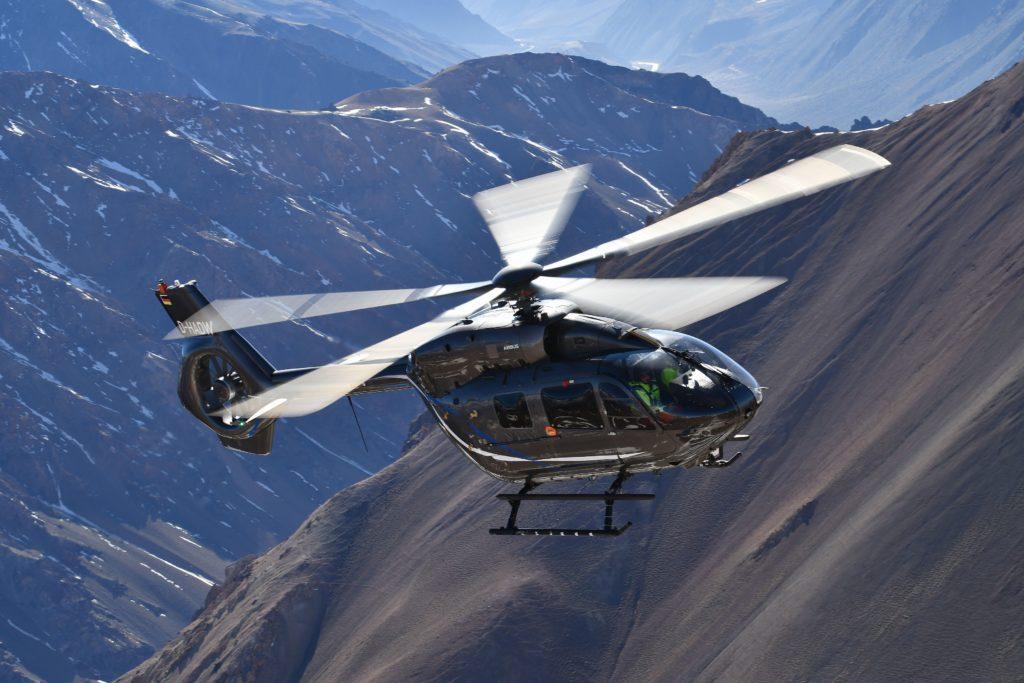 Airbus Helicopters H-145 five blades receives type certification by EASA. El Airbus Helicopters H145 cinco palas recibe la certificación de la EASA.