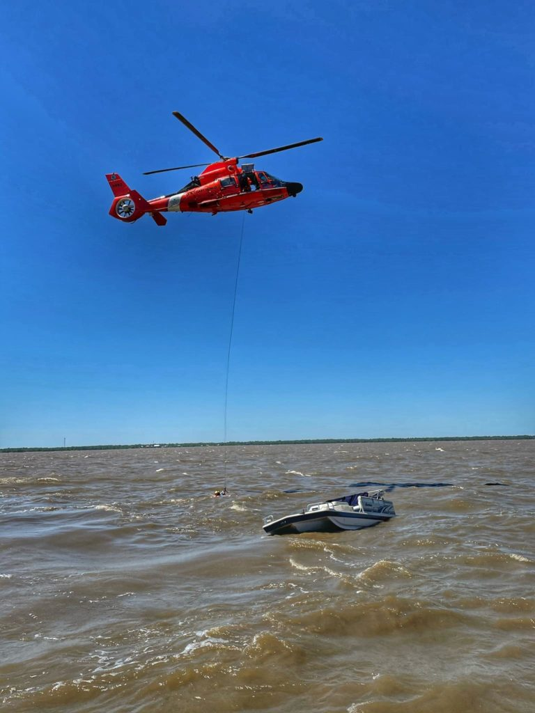 Coast Guard rescue 2 from vessel taking on water near Lake Pontchartrain