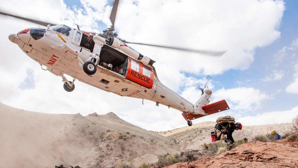 Rescatada la tripulación del MH-60S accidentado en el monte Hogue, CA